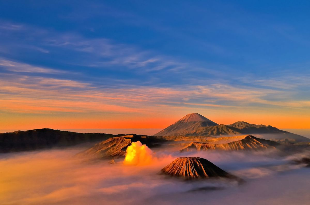 Bromo sunrise and Ijen Blue fire - Photo 6