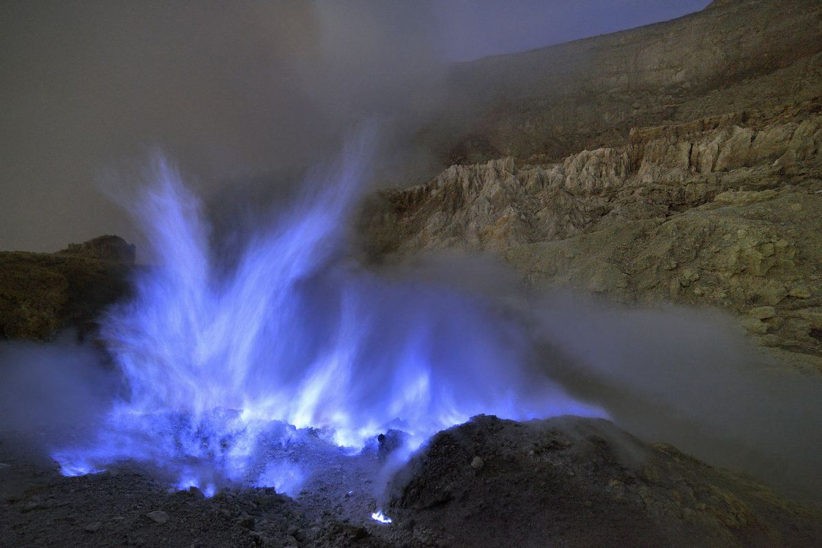 Bromo sunrise and Ijen Blue fire - Photo 1