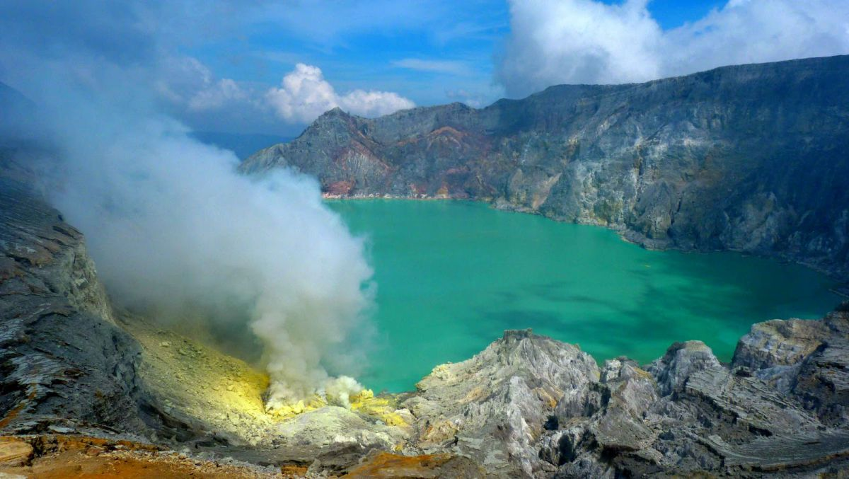 Bromo sunrise and Ijen Blue fire - Photo 4