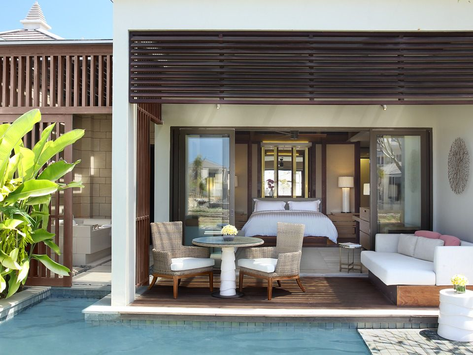 Ritz Carlton 5* - Photo 1