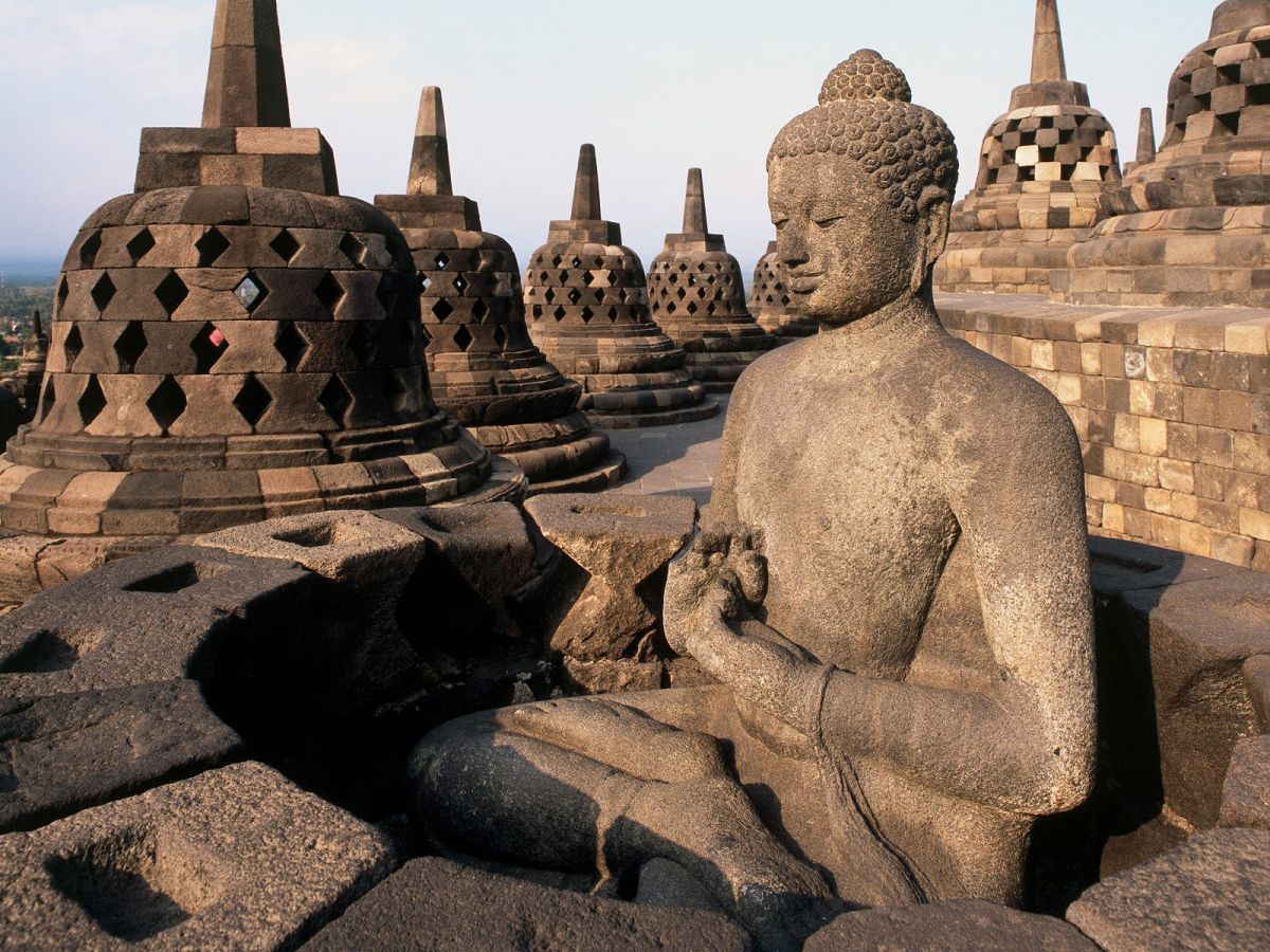 Borobudur & Plateau Dieng - Photo 2