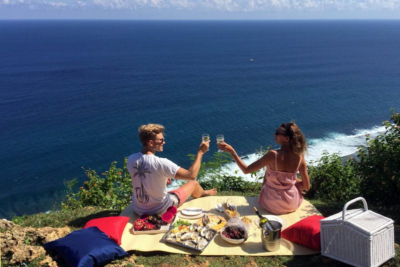 Mediterranean romantic picnic - Photo 1