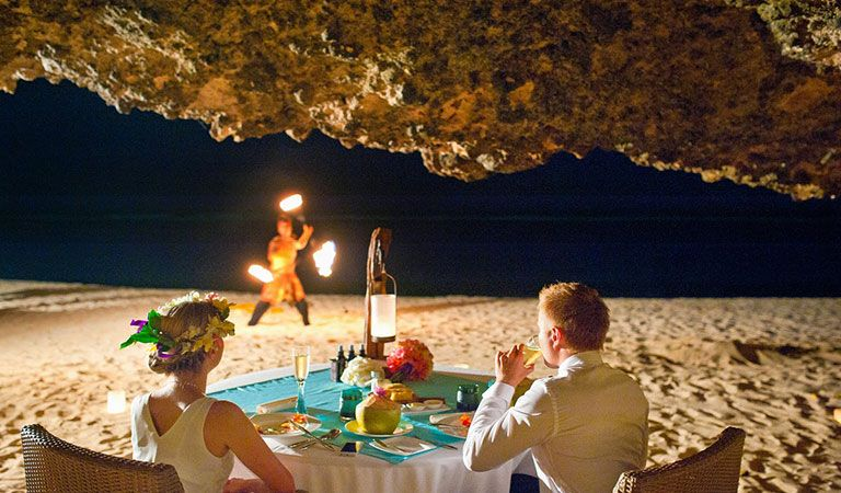 Romantic dinner in the private cave - Photo 1
