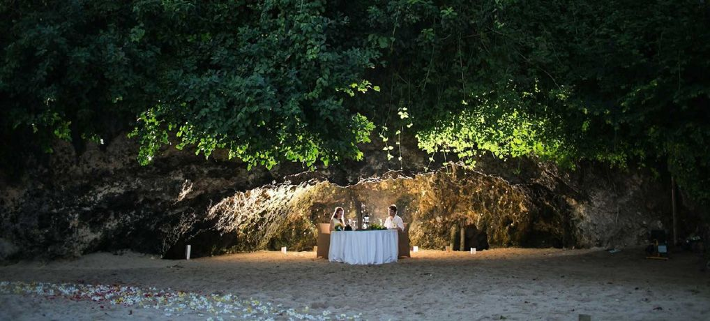 Romantic dinner in the private cave - Photo 3